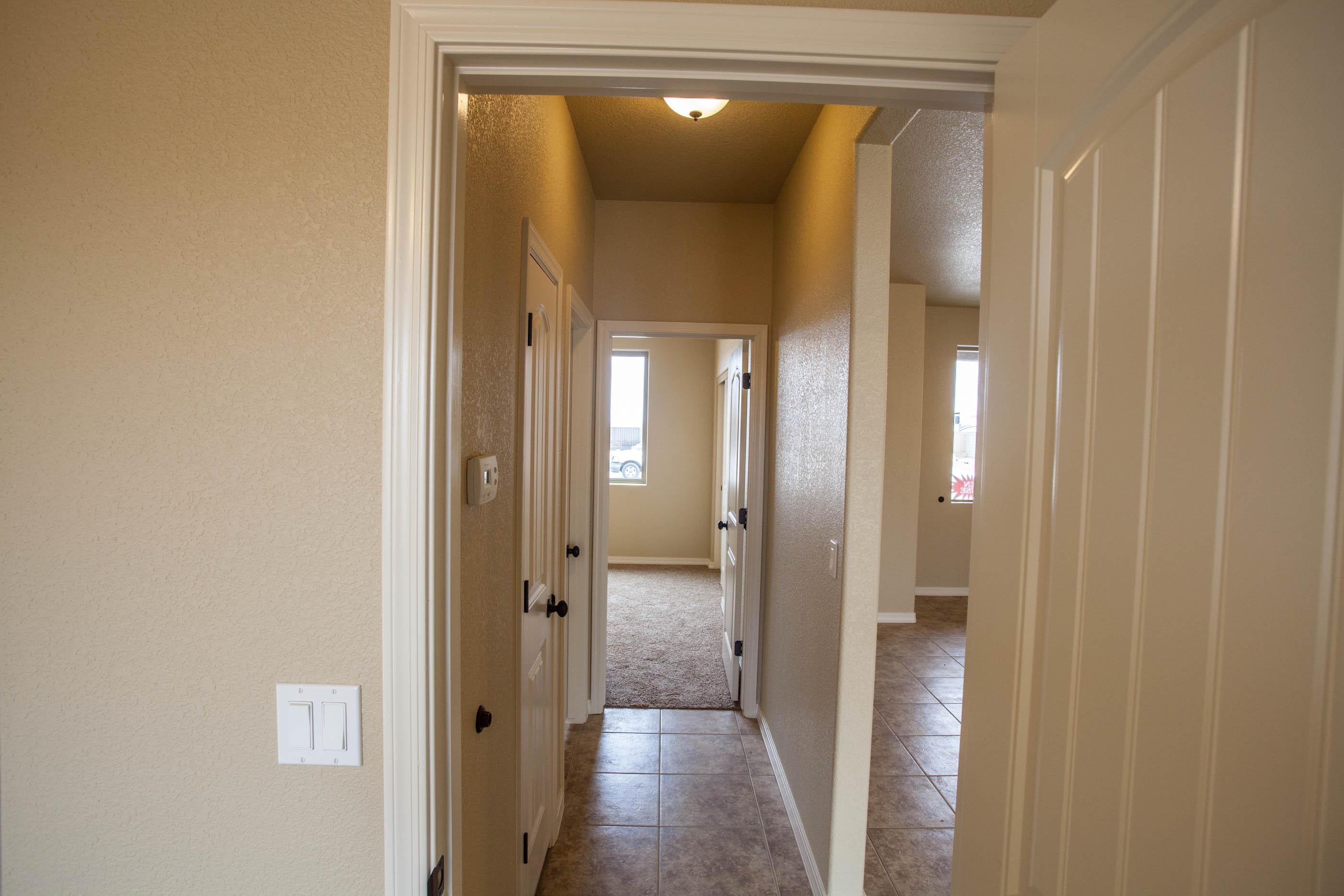 hallway_0.jpg
